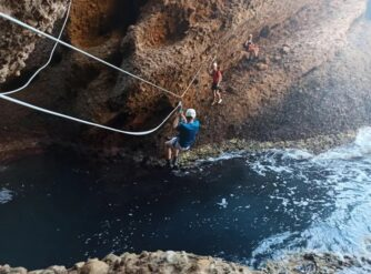 tyrolienne-trou-souffleur-la-ciotat-aventure-verticale-1